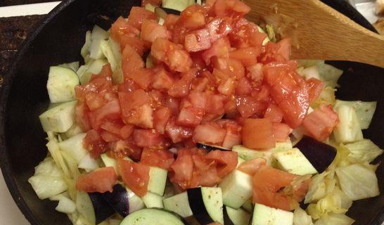チキンのトマト煮(トマト)