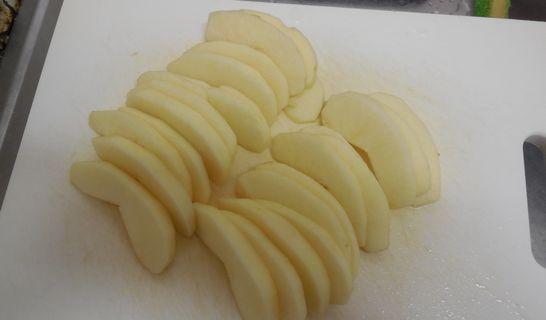 リンゴのスライス