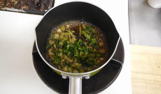 セロリの葉っぱ(煮詰める)