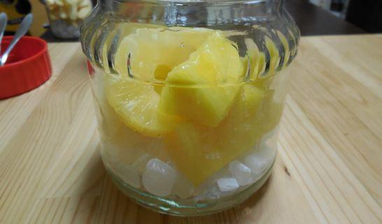 パイナップルと氷砂糖