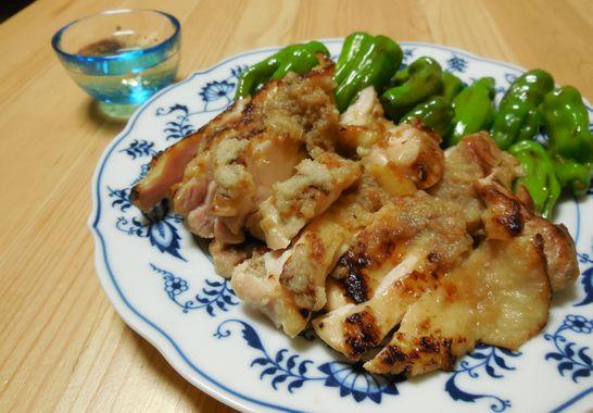 鶏もも肉の玉ねぎソース焼き